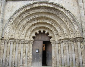 Church of St-Jacques at Aubeterre -sur-Dronne