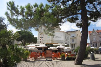 Cafe at Saint Palais sur Mer